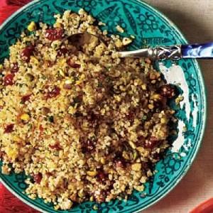 Quinoa con cerezas secas y pistachos