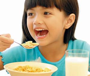 Todo niño debe tener un desayuno balanceado cada día