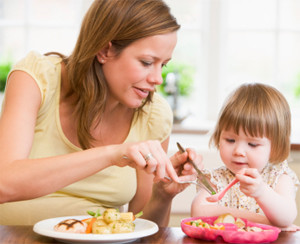 Enseñar a comer con el ejemplo